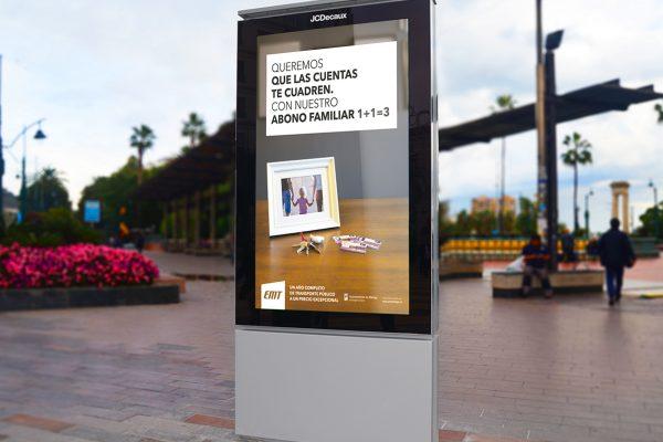 Mupi de la campaña de abono familiar para la EMT de Málaga por SOYTUTIPO