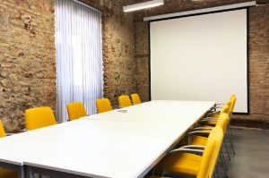 sala de reuniones en el coworking - SOYTUTIPO